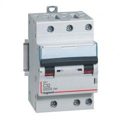 Disjoncteur DX³ 4500 - vis/vis - 3P - 400 V~ - 32A - 6kA - courbe C - 1 mod