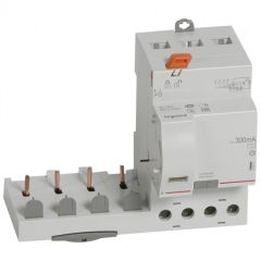 Bloc diff adapt DX³-vis-4P-400V~-40A-typeAC-300mA-disj 1mod/pôle-câbl trad